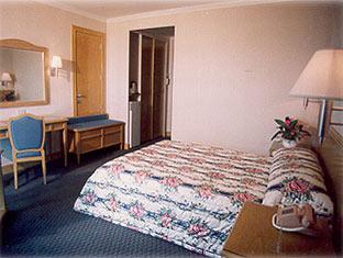 aloha-hotel.jpg