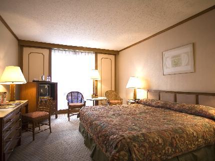 manila-pavilion-hotel.jpg